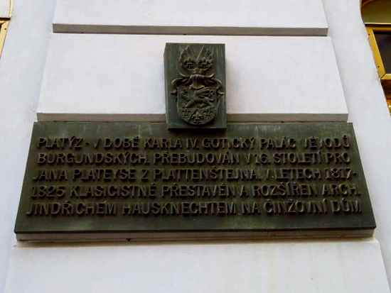 Plaque at Platýz Palace