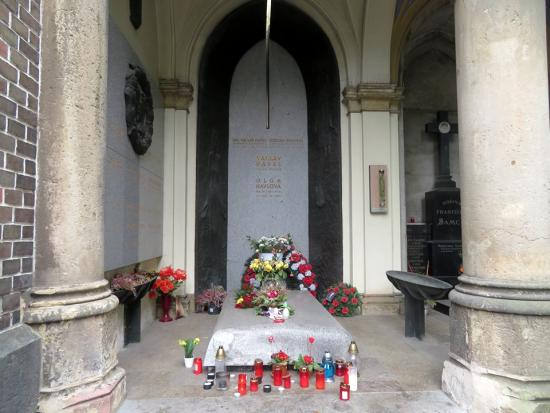 Václav Havel tomb